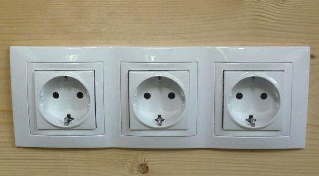 Скрытая электропроводка в бане